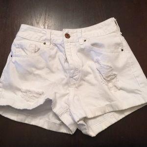White pacsun shorts
